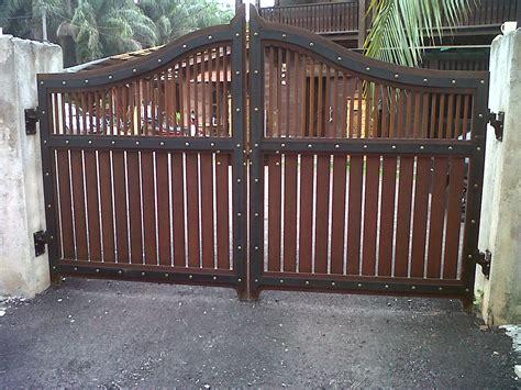 gate dising kapsah custom carpentry house main gate 10ft x 6ft rm 7000 cengal