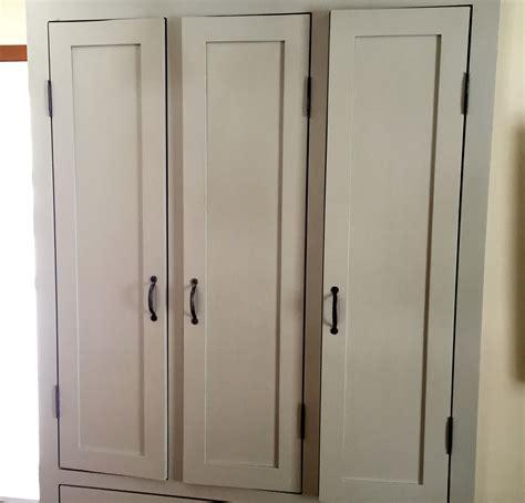 peinture d armoire de cuisine garde manger en pin et peinture de lait armoire cuisine