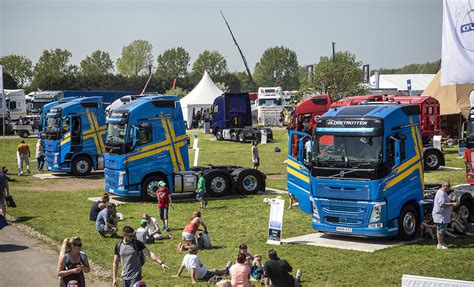 volvo brings  fantastic fh fleet  truckfest