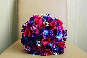 flowers-bridesmaids-bouquets-have-orange-gerbera-daisies ...