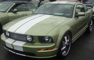File:Modified '05-'09 Ford Mustang GT Liftback (Sterling Ford).jpg - Wikimedia Commons