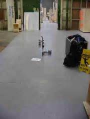 worker  injured   slippe slips  trips hse