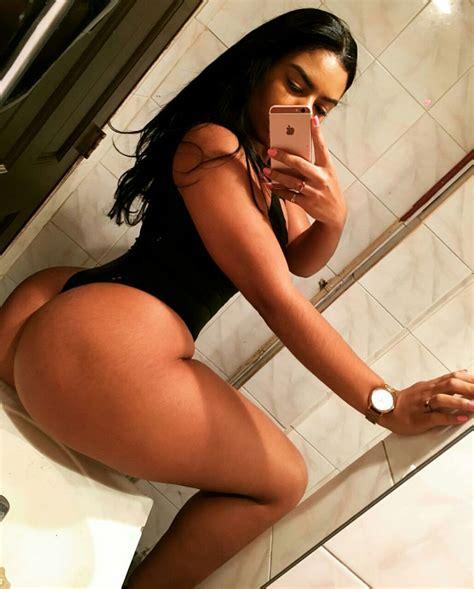 Thick Latina In The Bathroom Zorv
