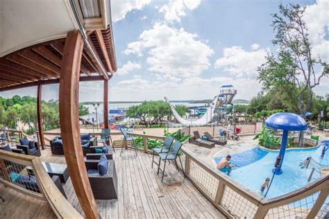 beachside billys lake travis restaurant  waterpark