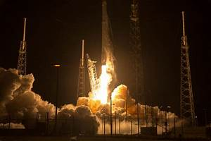 SpaceX launches Dragon spacecraft, successfully lands ...