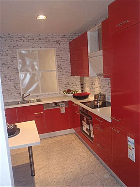 Nobiliamusterküche Einbauküche Rot Hochglanz, Metallgriff