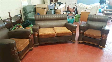 1930's Art Deco Sofa And 2 Chairs