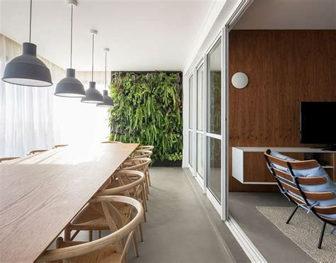 Vertical Garden Introduces Fresh Green Accent Into São