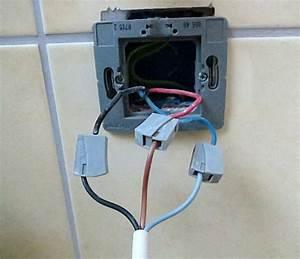 Goulotte Electrique Avec Prise : d placement d 39 un radiateur 1000w ~ Mglfilm.com Idées de Décoration
