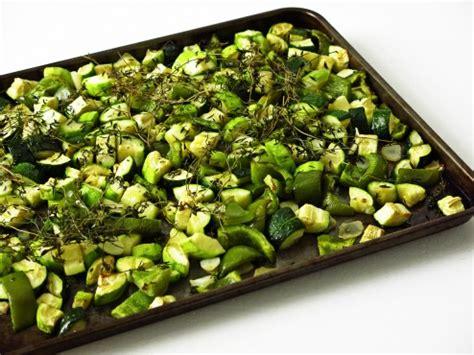 cuisiner les courgettes jaunes 10 recettes pour cuisiner aubergine et courgette