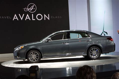 Toyota Chicago by 2011 Toyota Avalon At Chicago Auto Show Photo Gallery