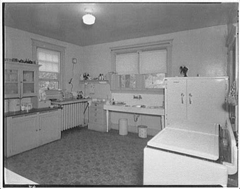 1920s Farmhouse Kitchen   1920s/1930s kitchen from Library