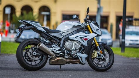 Review Bmw S1000r by Review Bmw S Intimidating S1000r Streetfighter