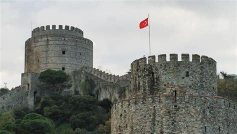 si鑒e de constantinople palais de dolmabahce istanbul réservez des tickets pour votre visite getyourguide fr