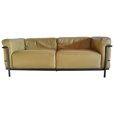 canapé lc3 canapé modèle quot lc3 quot le corbusier perriand et jeanneret