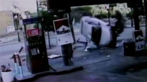 Man Hails Taxi To Flee Car Crash Scene