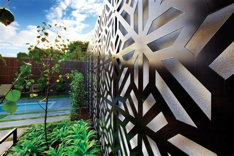 Create a feature wall in your garden with a splash of ...