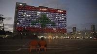 【黎巴嫩爆炸】以色列暫時放下敵對關係 黎巴嫩國旗照亮特拉維夫|香港01|即時國際