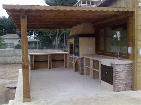 tejado  vigas de madera barbacoas cocinas