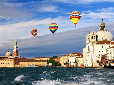 10 of the World's Most Spectacular Places For Hot Air ...