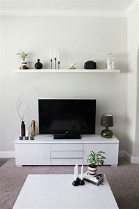 Erste Wohnung Einrichten : kleines wohnzimmer einrichten tv sideboard wei schwebendes wandregal living room pinterest ~ Orissabook.com Haus und Dekorationen