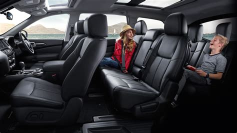 family  seater suv nissan pathfinder