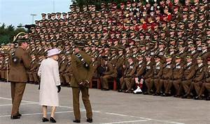 Queen meets soldiers from Royal Scots Dragoon Guards at ...