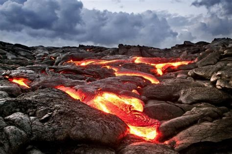 incredible lava flow images from hawaii look more like