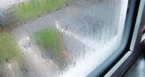 Почему потеют пластиковые окна в квартире изнутри и как с этим бороться?