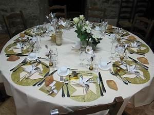 Idee Deco Table Anniversaire 70 Ans : decoration de table 50 ans mariage ~ Dode.kayakingforconservation.com Idées de Décoration