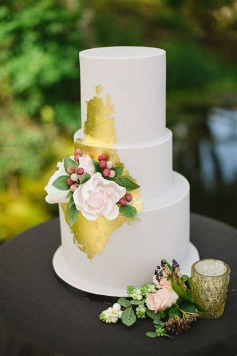 glamorous gold leaf wedding cakes weddingomania