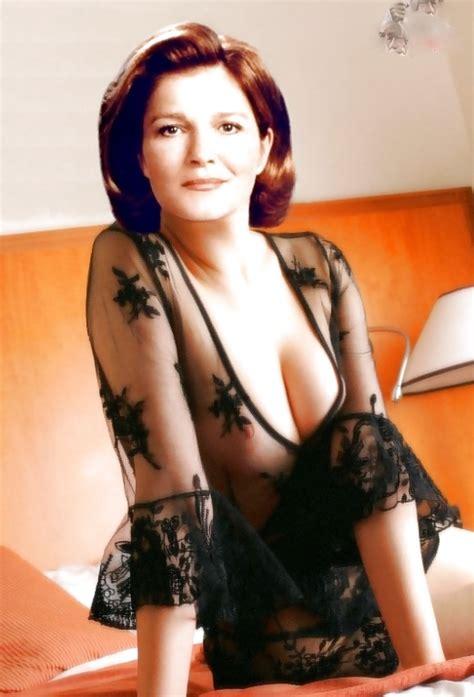 Kate Mulgrew Katherine Janeway Star Trek 19 Pics