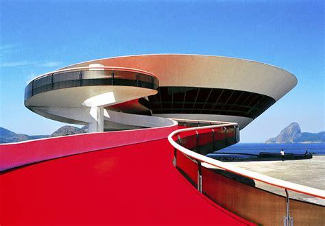 Oscar Niemeyer's work – marcela grassi