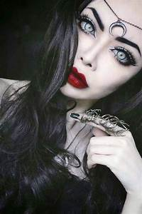 20 Pretty Halloween Makeup Ideas To Try | Pretty halloween ...