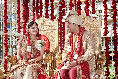 Wedding Accessories For Indian Groom : Indian Wedding Ceremony Bride Groom