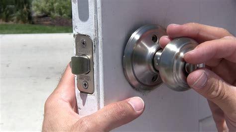 change  door knob dead bolt repair schlage  kwikset exterior youtube