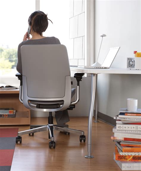 bureau steelcase steelcase think chair white office chair steelcase think