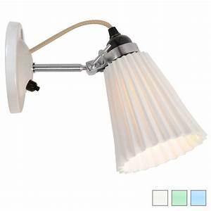 Wandlampe Ohne Kabel : kleine wandlampe mit geriffeltem porzellanschirm casa lumi ~ A.2002-acura-tl-radio.info Haus und Dekorationen