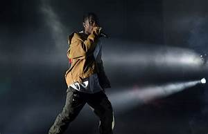Travis Scott Scolds Concert Goers For Being On Their Phones