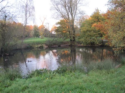 size of pond file totteridge green laurel farm pond jpg wikimedia commons