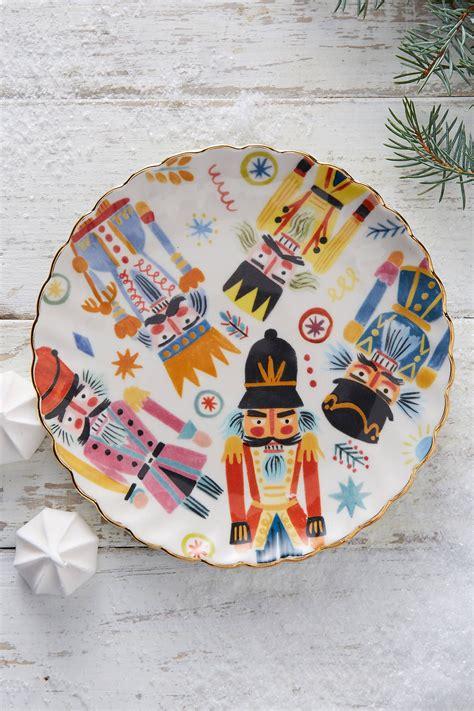 christmas decorating ideas adorable nutcracker holiday