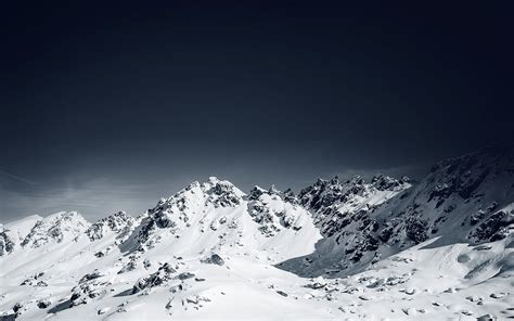 Me25-snow-mountain-lovers-nature