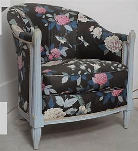 Fauteuil Ancien Bergere : ancien fauteuil berg re tissus a fleur bleu chaise antique french chair ~ Teatrodelosmanantiales.com Idées de Décoration