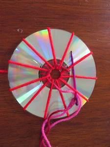 Basteln Mit Cd Rohlingen : ein bisschen haushalt basteln mit cds weben basteln pinterest basteln ~ Frokenaadalensverden.com Haus und Dekorationen