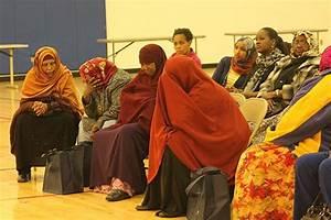Somali community seeks answers to gun violence in ...
