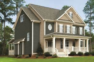 Houses with Vinyl Siding Royal