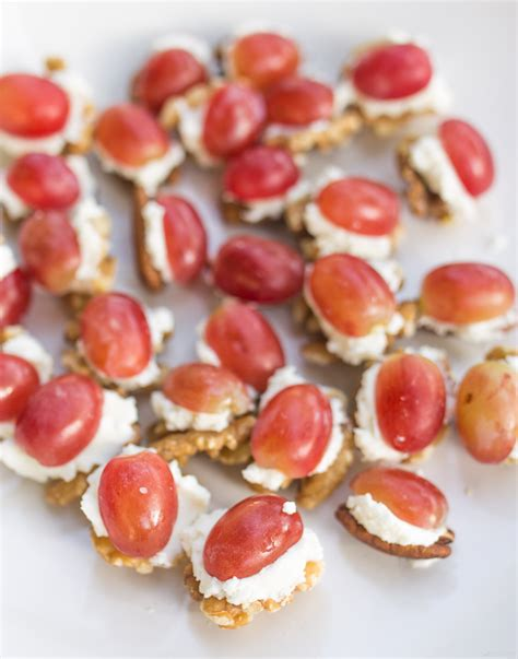 easy party appetizer nuts with goat cheese and grapes