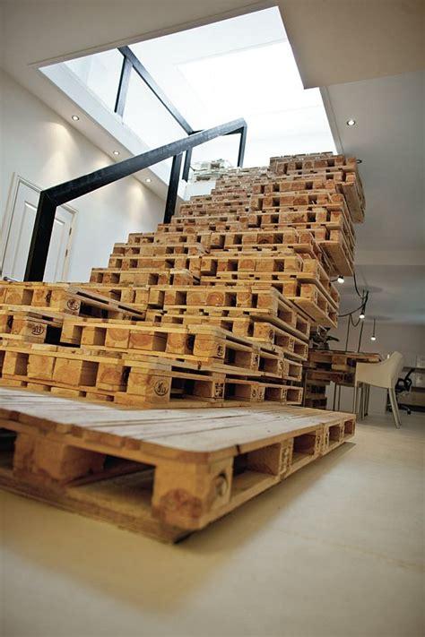 bureau palette bois amsterdam aménagement d 39 un bureau 100 palettes en bois