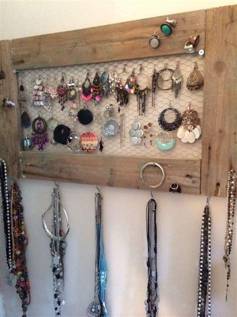 17 meilleures id 233 es 224 propos de rangement de bijoux sur porte collier pr 233 sentation