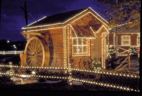 Cambria Christmas Lights by Overly S Lights Add Glow To Christmas Local News